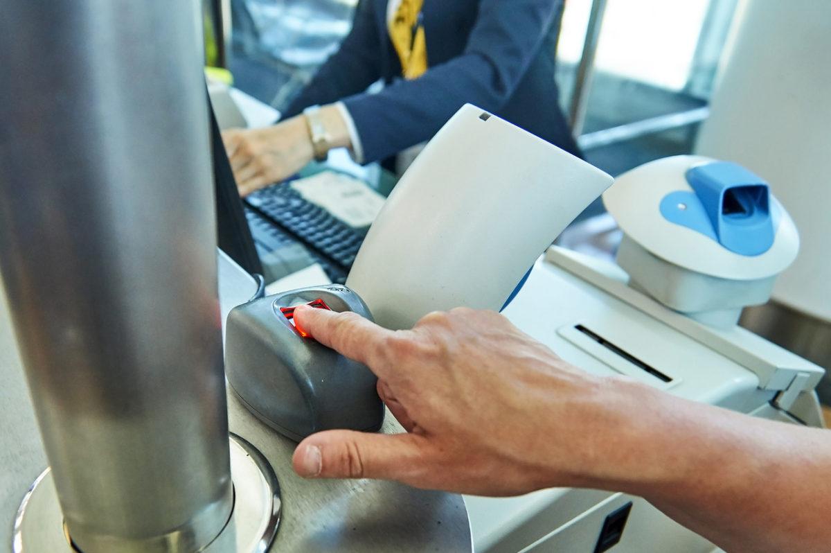 51% dos aeroportos utilizarão embarque com biometria até 2020