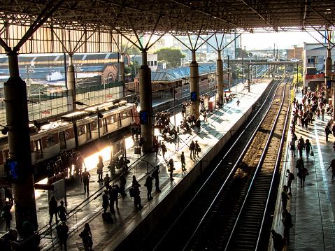 Chegada ao aeroporto de Guarulhos via trem fica mais rápida