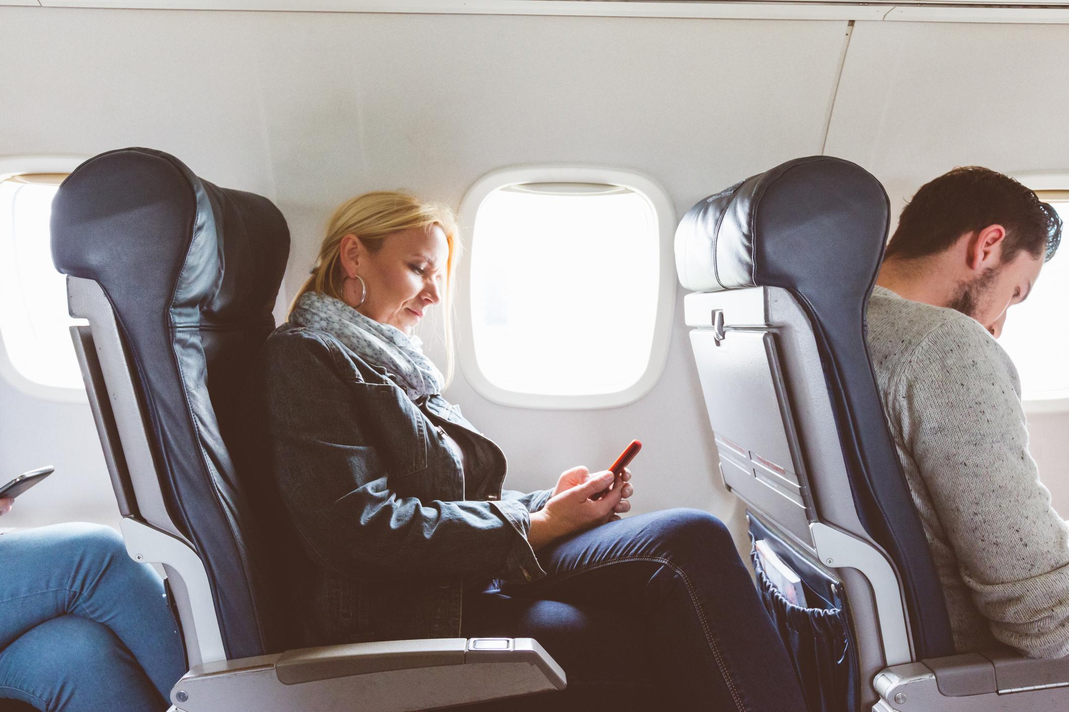 TAP anuncia wi-fi grátis em voos para uso do WhatsApp