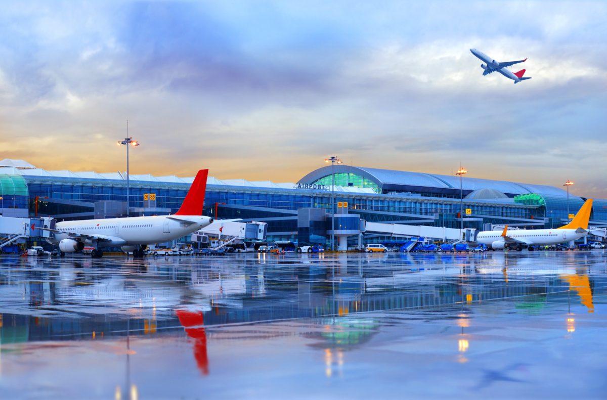 Greve ainda afeta 10 aeroportos administrados pela Infraero