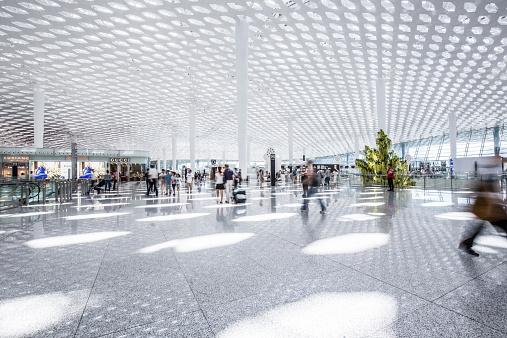 Anac libera reajuste de taxas dos aeroportos de Floripa e Salvador