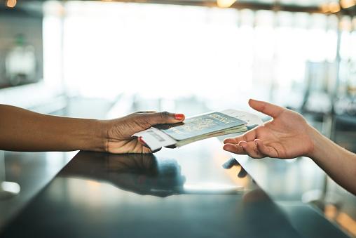 Projeto de lei prevê transferência de passagem para terceiros